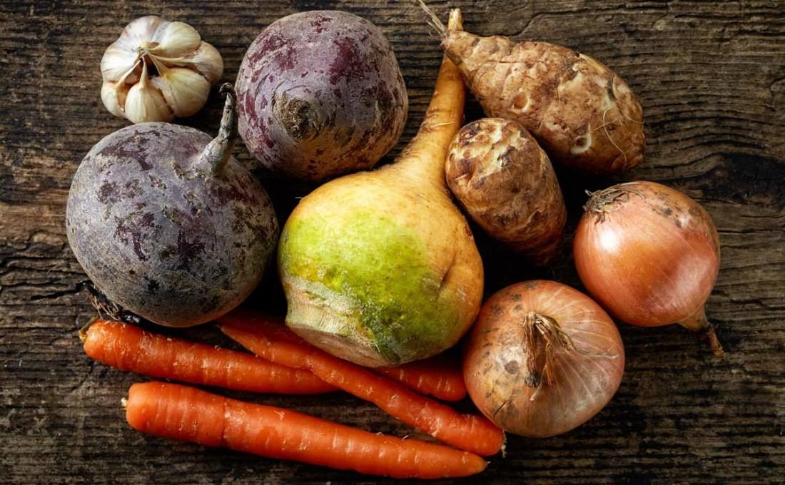 Как хранить овощи на балконе зимой